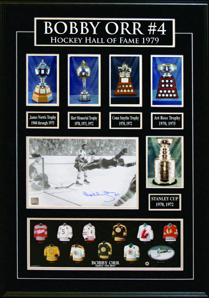 Bobby Orr - Deluxe Frame with signed 7x11