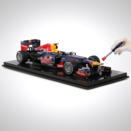 Photo of Red Bull Racing 2012 1:8 Scale Model F1 Car, Brazilian Grand Prix