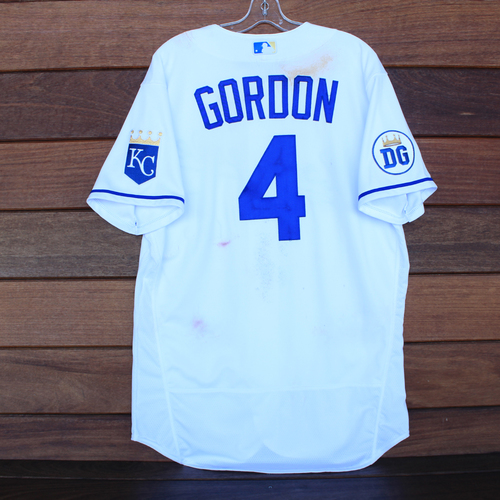 Photo of Game-Used 2020 Los Reales Jersey: Alex Gordon #4 (PIT @ KC 9/12/20) - Size 46
