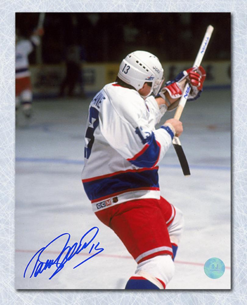 Teemu Selanne Winnipeg Jets Autographed Rookie Record Shooting 8x10 Photo
