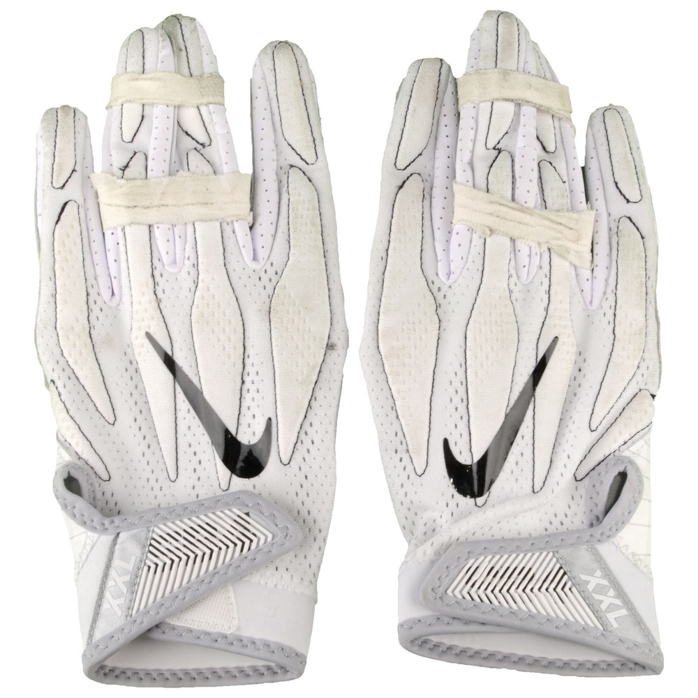 Marcus Smith Philadelphia Eagles Game-Used White Nike Pair of Gloves vs. Dallas Cowboys on January 1, 2017