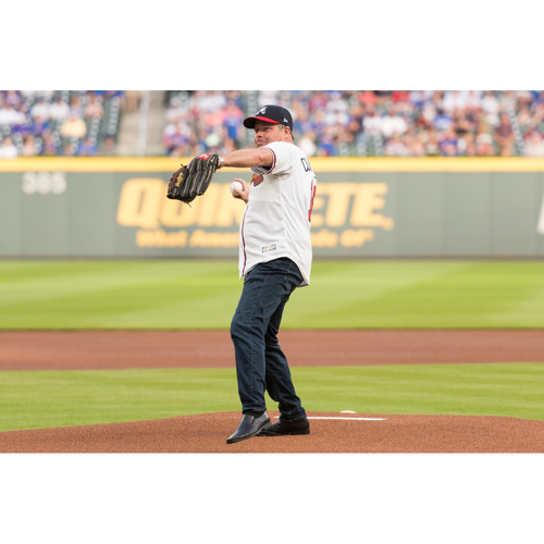 Photo of Atlanta Braves Throw Out the First Pitch On-Field Experience MARCH 25th 2019