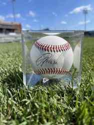 Photo of Oswald Peraza Signed Baseball