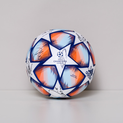 Photo of 20/21 Champions League Ball signed by the FC Salsburg Team