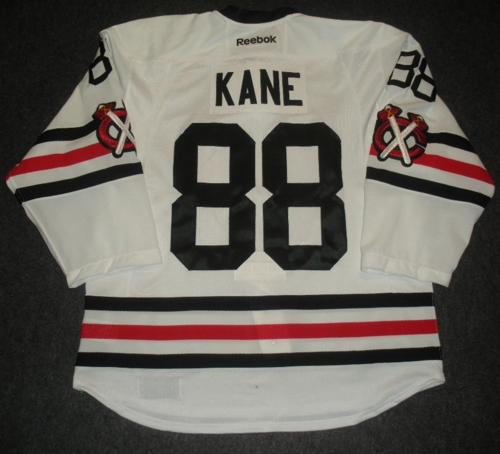 Patrick Kane - Chicago Blackhawks - 2015 NHL Winter Classic - White Game-Worn  Jersey - Worn in First Period 62f0a38db