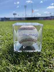 Photo of Willie Randolph Signed Baseball