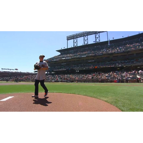 Photo of Giants End of Year Auction: Giants First Pitch Experience for the 2020 Season