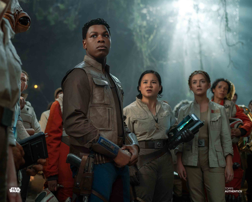 Finn, Rose Tico, Lieutenant Connix and Tyce