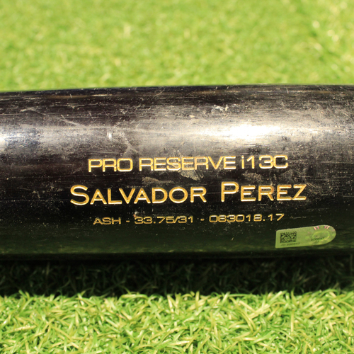 Photo of Game-Used Bat Broken Bat: AL Silver Slugger Award Winner Salvador Perez (KC @ MIN 8/4/18)