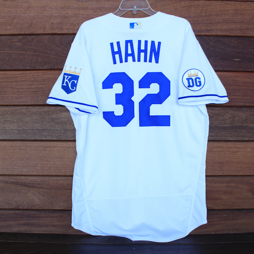 Photo of Game-Used 2020 Los Reales Jersey: Jesse Hahn #32 (PIT @ KC 9/12/20) - Size 46