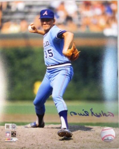 Phil Niekro Autographed Braves 16x20