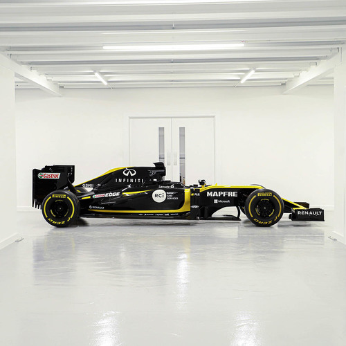 Photo of Official Renault F1 Team 2019 R.S.19 Ex-Race Car Build