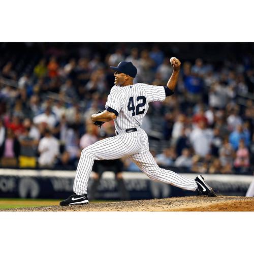 Photo of LOT #42: Mariano Rivera Autographed Baseball