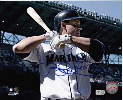Photo of Bret Boone Autographed 8x10