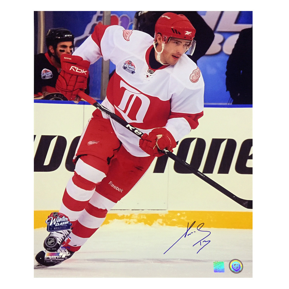 PAVEL DATSYUK Signed Detroit Red Wings 2009 Winter Classic 16 X 20 Photo - 79062