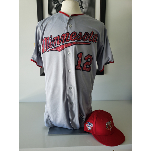 Photo of 2018 Game-Used Stars and Stripes Jersey + Cap - Jake Odorizzi