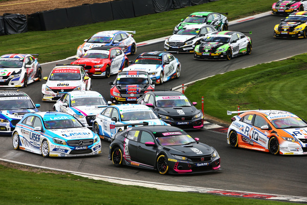Clickable image to visit Watch the racing at the British Touring Car Championship including a 1 night stay