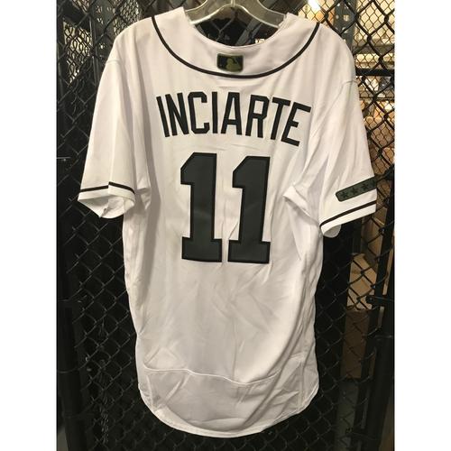 more photos bdca9 980a2 MLB Auction