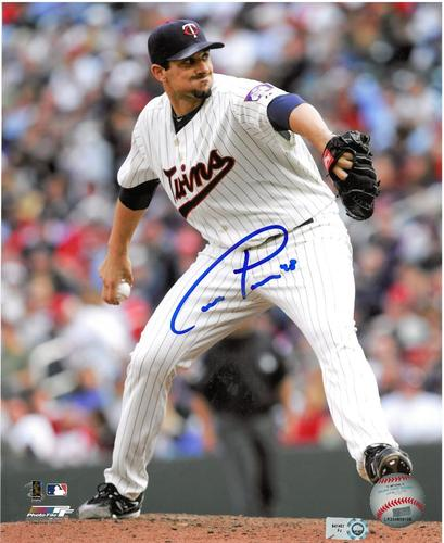 Photo of Carl Pavano Autographed 8x10