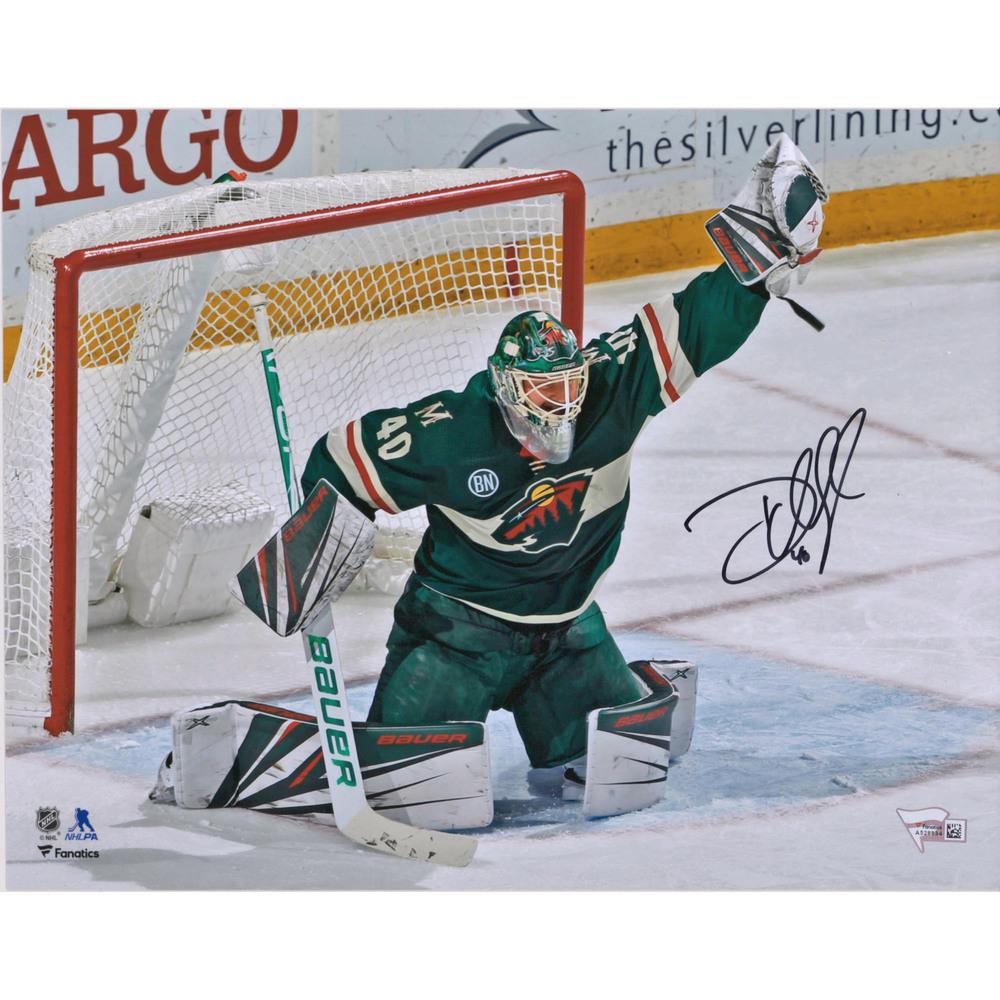 Devan Dubnyk Minnesota Wild Autographed 11