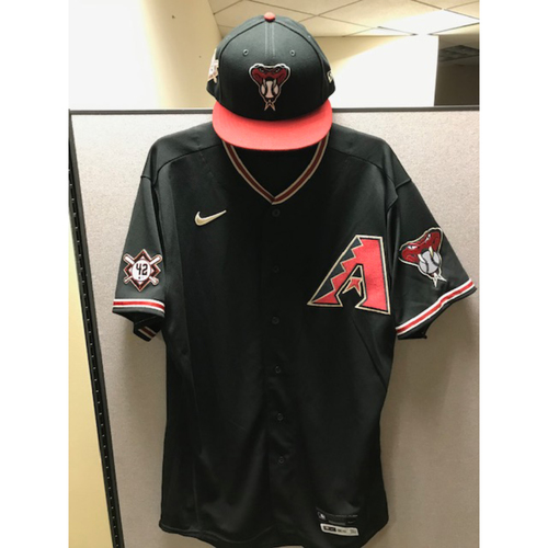 Photo of Archie Bradley 2020 Game-Used Jackie Robinson Day Jersey and Cap