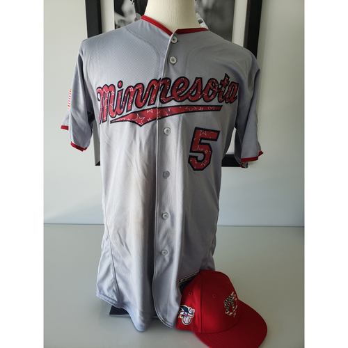 Photo of 2028 Game-Used Stars and Stripes Jersey + Cap - Eduardo Escobar