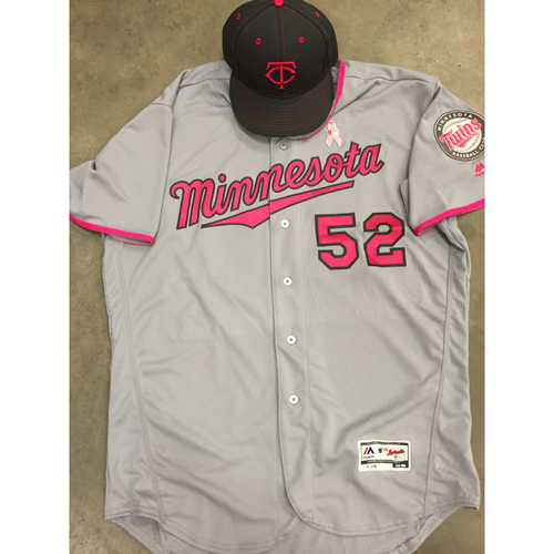 finest selection 89e44 0c433 MLB Auctions | 2016 Game-Used Mother's Day Jersey and Hat ...