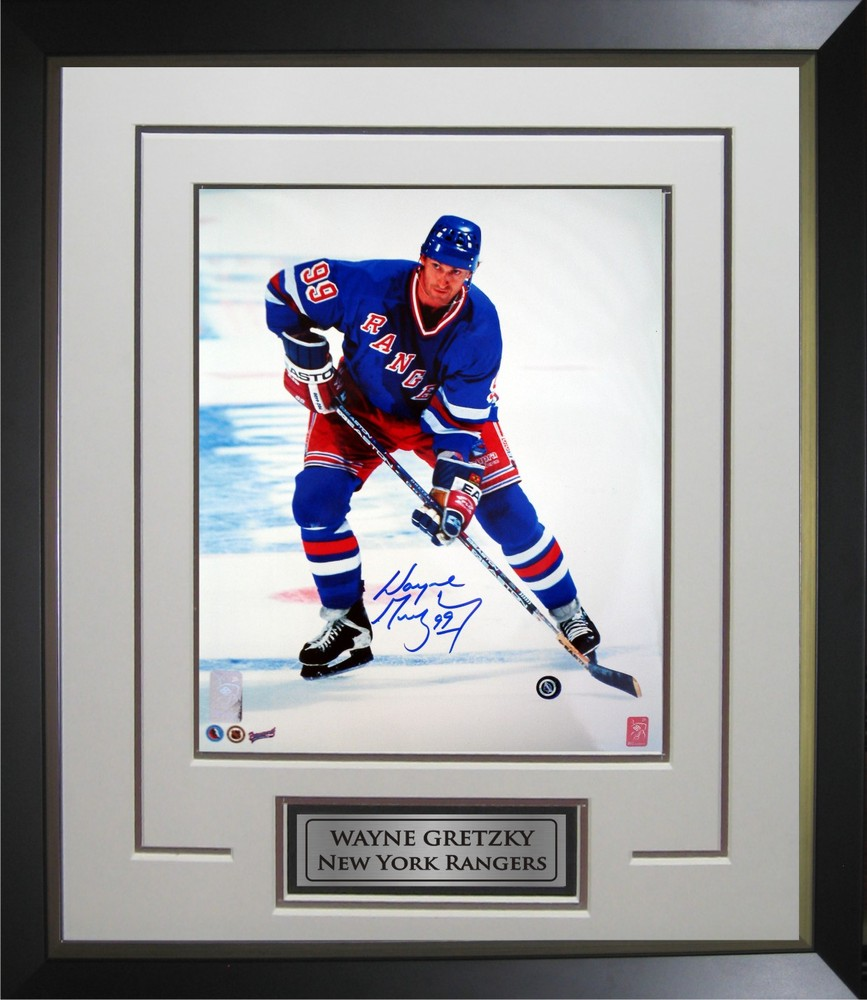 Wayne Gretzky - Signed & Framed 11x14 - Deluxe Frame Rangers - Dark Action