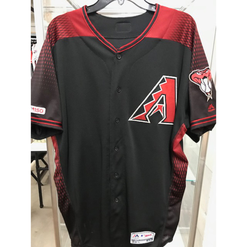 Photo of Wilmer Flores 2019 Game-Used Black Alternate Jersey: 8/17/19 vs. Giants (Flores went 4-5 with a Double, RBI and a Run Scored)