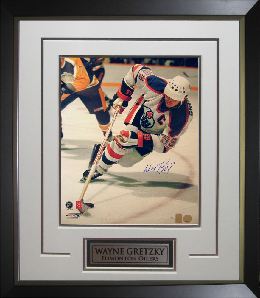 Wayne Gretzky - Signed & Framed 16x20 - Oilers Skating vs Kings