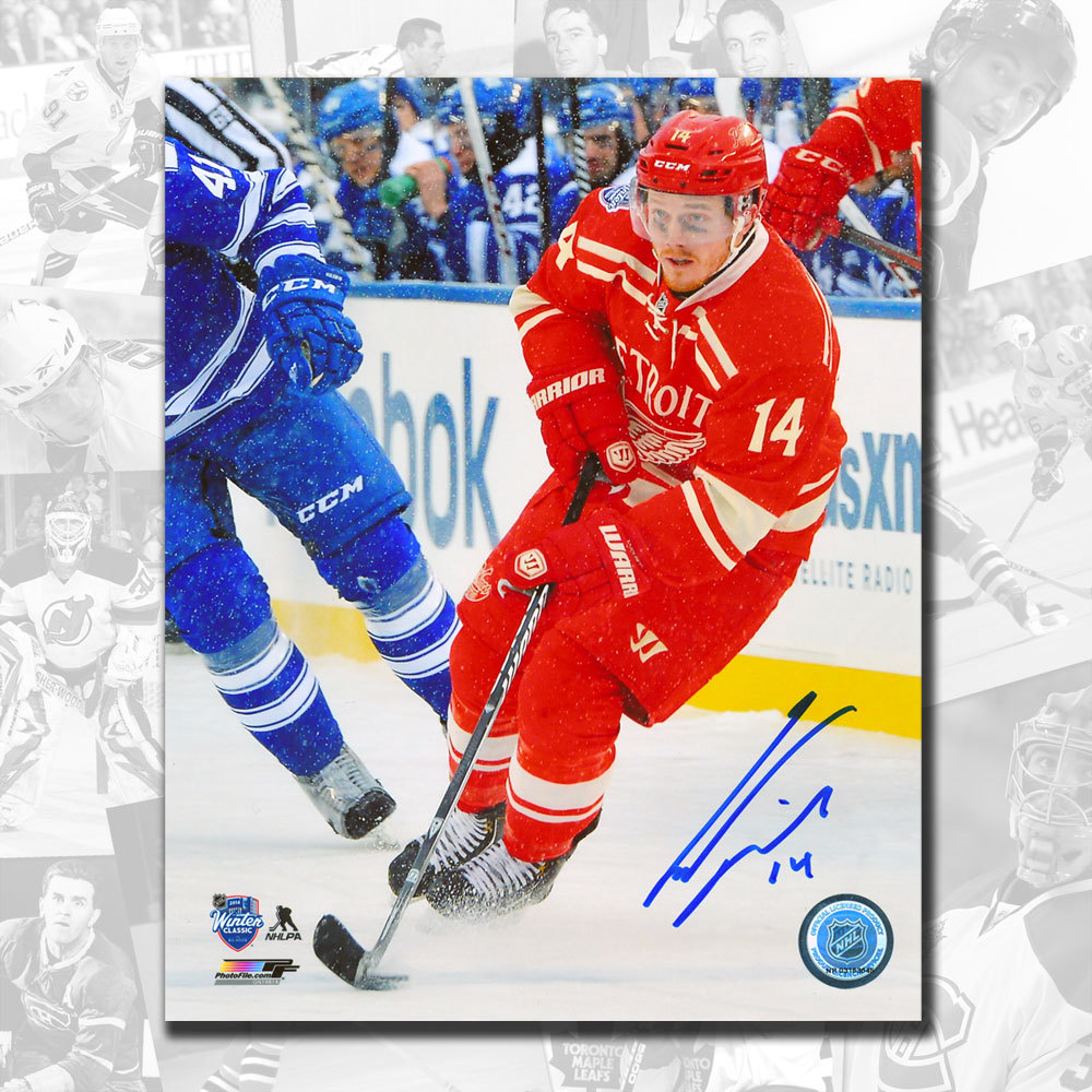 Gustav Nyquist Detroit Red Wings 2014 Winter Classic Autographed 8x10