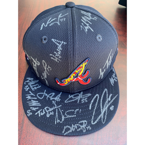 Photo of 2021 Atlanta Braves Bullpen Autographed Hat