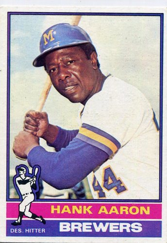 Photo of 1976 Topps #550 Hank Aaron -- Hall of Famer
