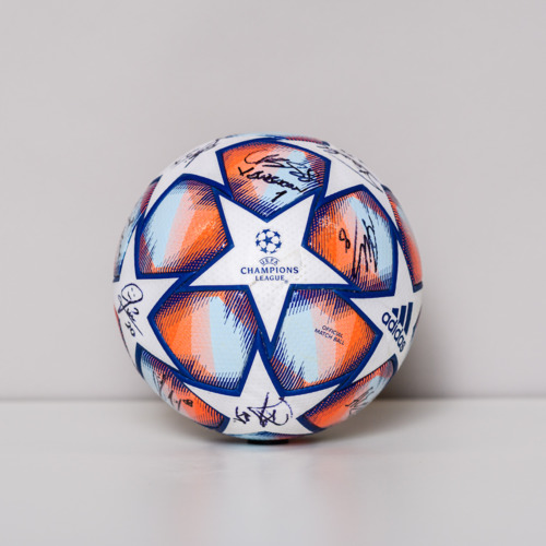 Photo of 20/21 Champions League Ball signed by the Istanbul Basaksehir FK Team