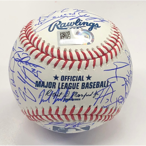 Photo of 2018 Atlanta Braves Team Autographed Baseball