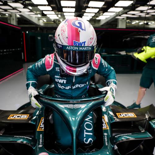 Photo of Sebastian Vettel 2021 Signed Race Used Race Gloves - US GP