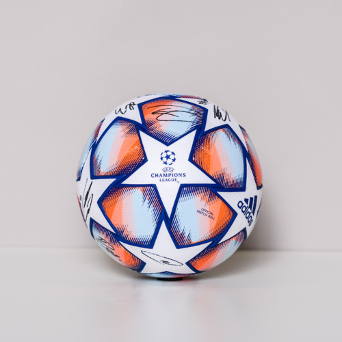 Photo of 20/21 Champions League Ball signed by the FC Bayern Munchen Team