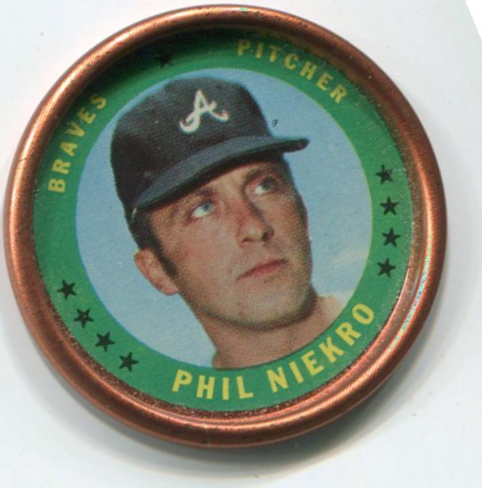 1971 Topps Coins #37 Phil Niekro