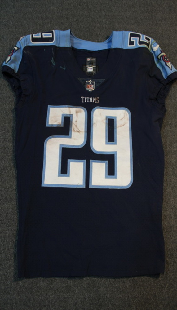 Crucial Catch - Demarco Murray signed and game worn Titans jersey (October 16, 2017) Size 40