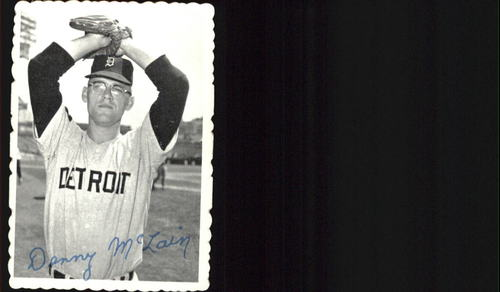 Photo of 1969 Topps Deckle Edge #8 Denny McLain