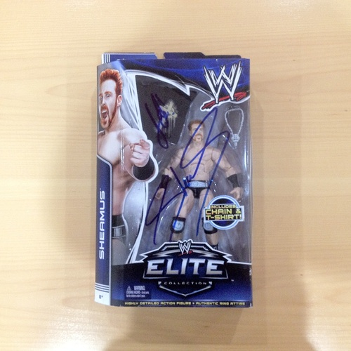SIGNED Sheamus Elite Series 25 Action Figure