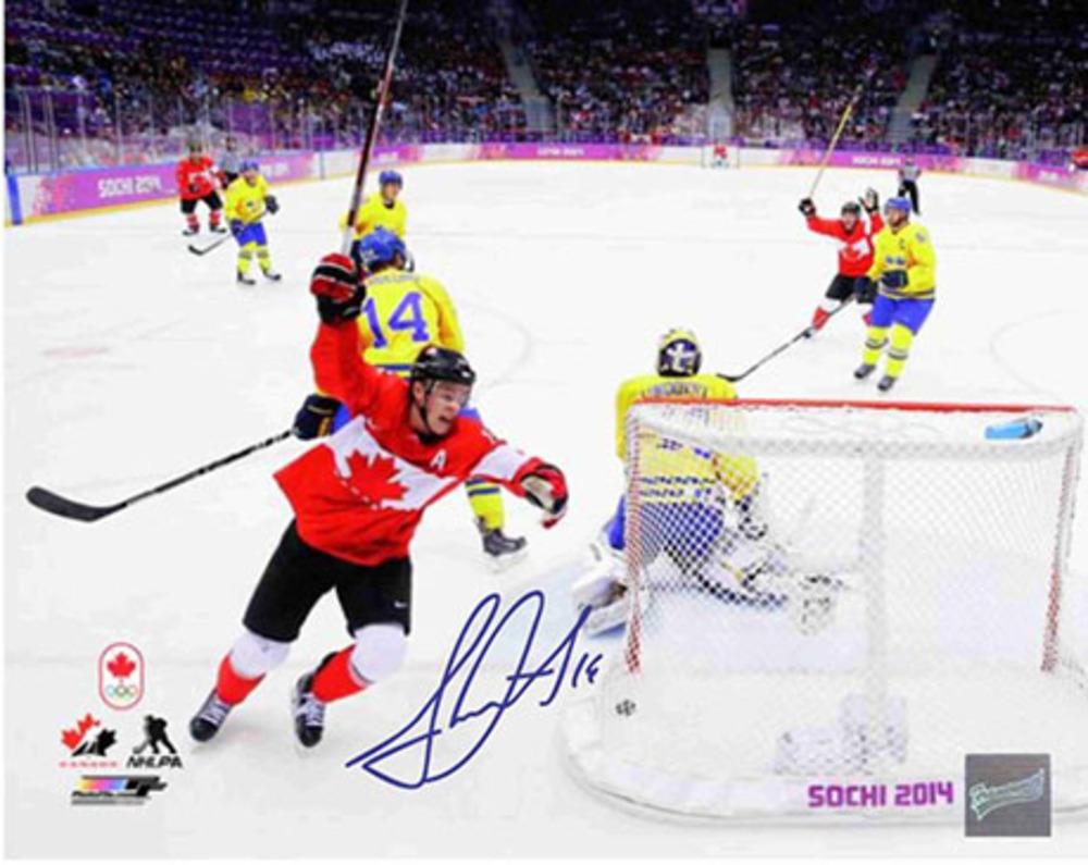 Jonathan Toews Signed 8x10 Scoring 2014 Sochi Team Canada