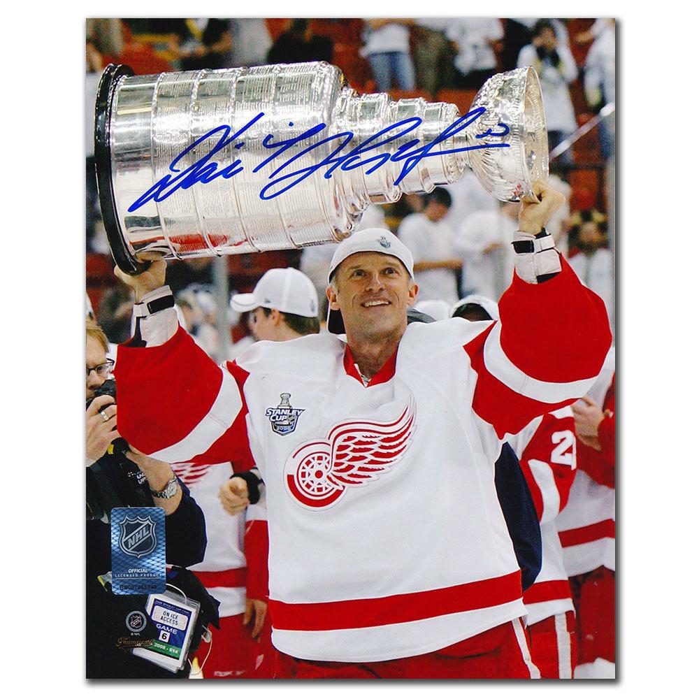 Dominik Hasek Detroit Red Wings 2008 STANLEY CUP Autographed 8x10
