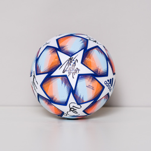 Photo of 20/21 Champions League Ball signed by the Juventus Team