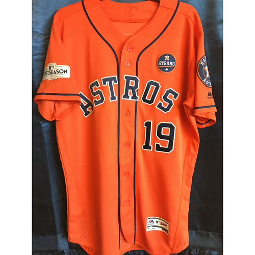 Photo of 2017 Tyler Clippard Team-Issued Postseason Orange Alternate Jersey