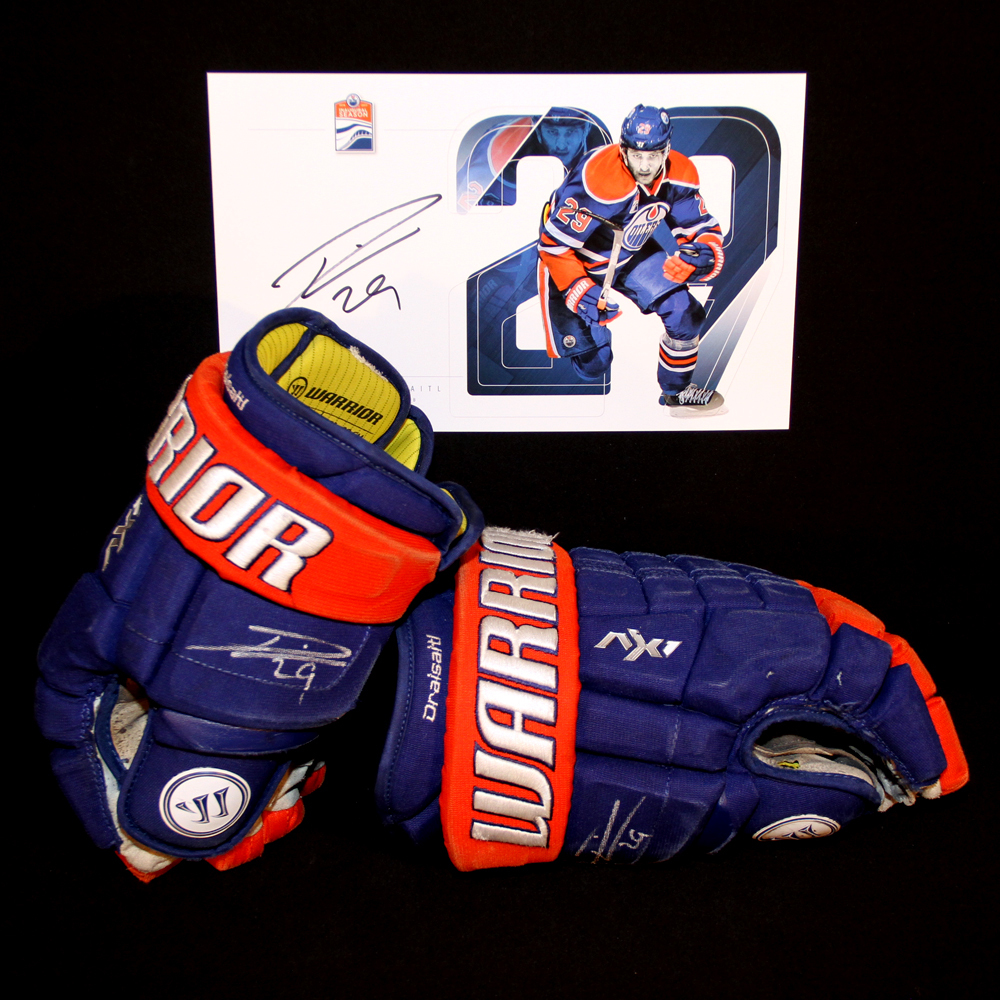 Leon Hockey Draisaitl Edmonton 2016-17 29 Player Warrior Oilers Auctions Gloves Nhl Game - Oversize Worn Includes Autographed Card