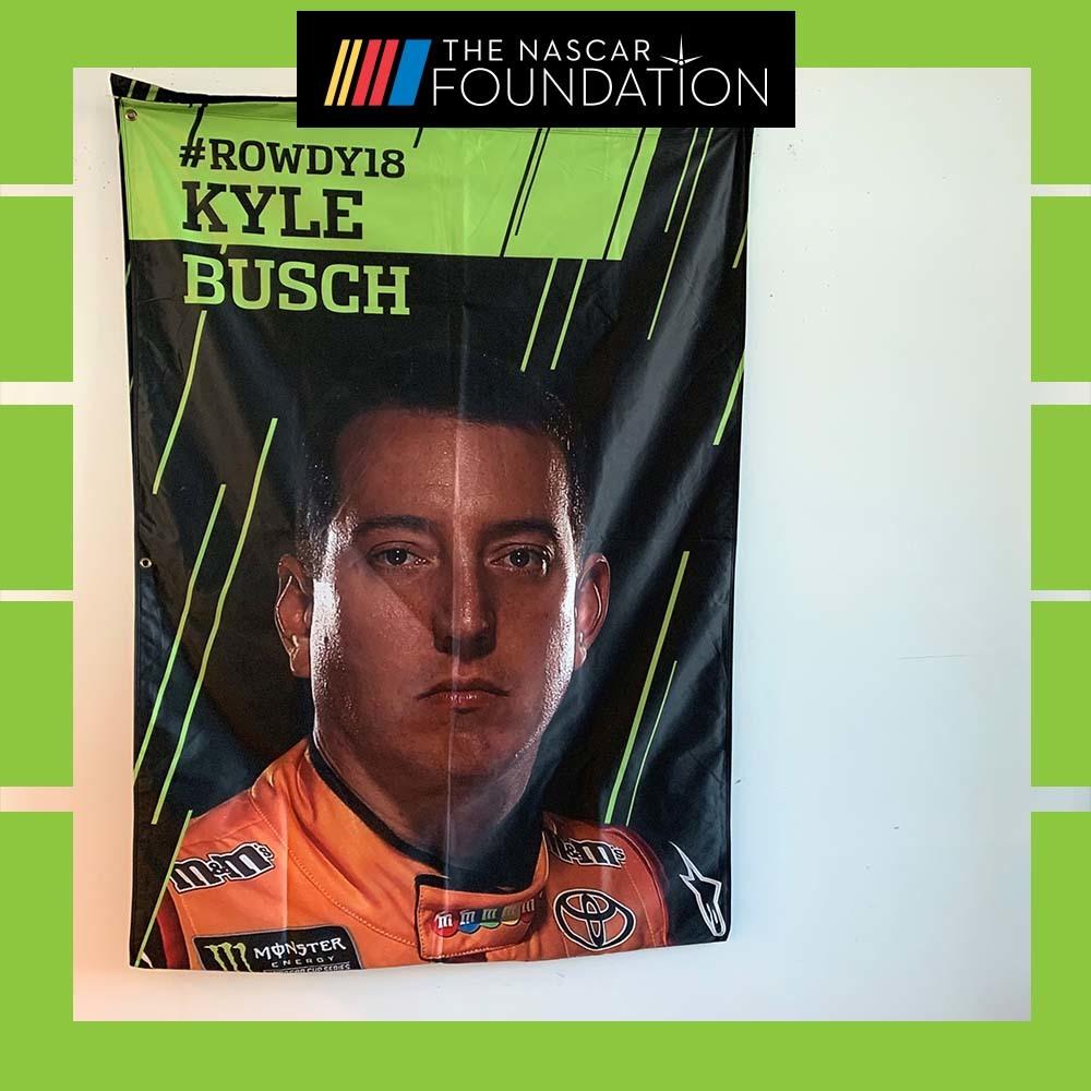NASCAR's Kyle Busch 2017 MENCS Playoff Banner!