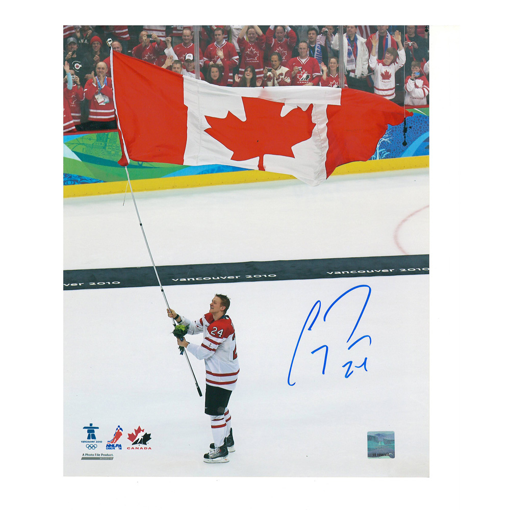 COREY PERRY Signed Team Canada 2010 8 X 10 Photo - Anaheim Ducks - 70314