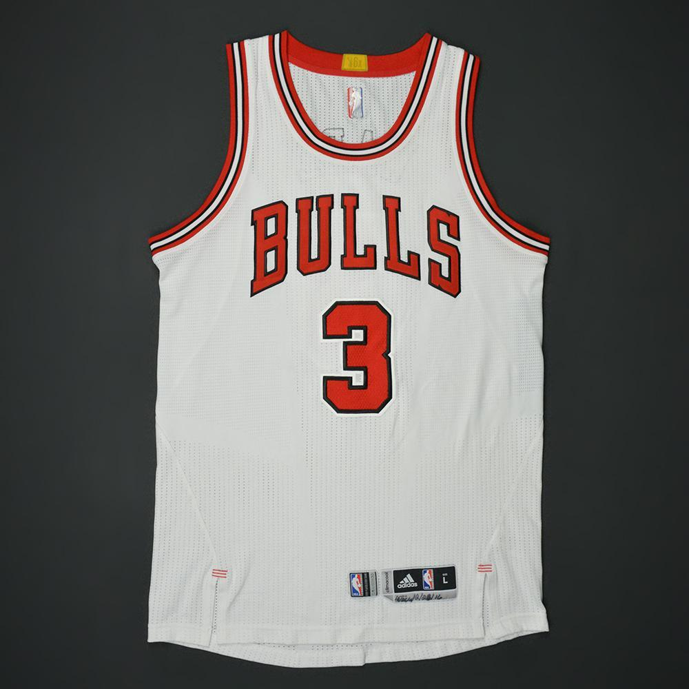 5a8cc6c291b Dwyane Wade - Chicago Bulls - Game-Worn Jersey - 2016-17 NBA Season ...
