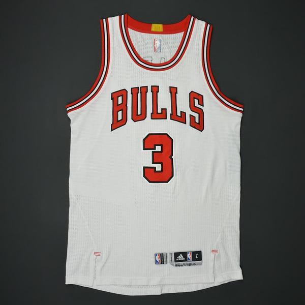Dwyane Wade - Chicago Bulls - Game-Worn Jersey - 2016-17 NBA Season 3280de0df